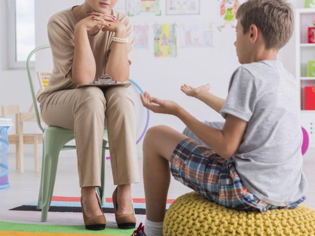 http://agirepensar.com.br/wp-content/uploads/2015/11/Psicoterapia-infantil-e-adolescente-640x480.jpg