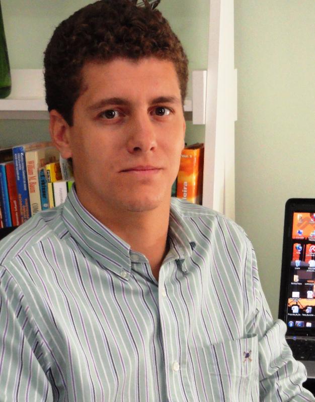 http://agirepensar.com.br/wp-content/uploads/2015/12/Pedro-Cardoso.jpg